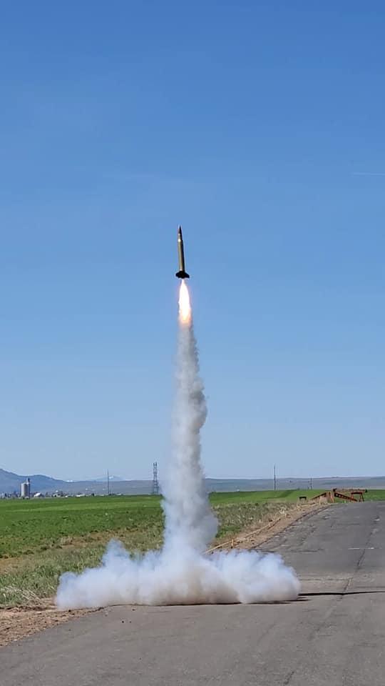 "NEW! SBR 4"" Bullet High Power Rocket Kit"